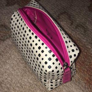 Handbags - ‼️4/$10 Zip Cosmetics Case